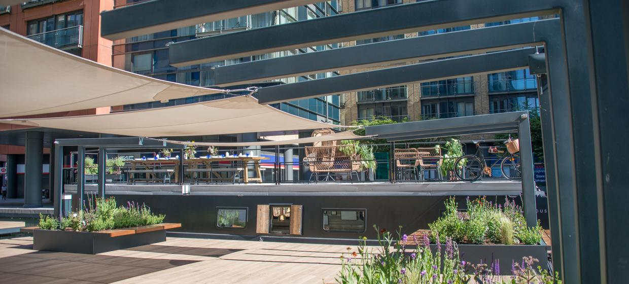 An intimate floating event space in central london 21