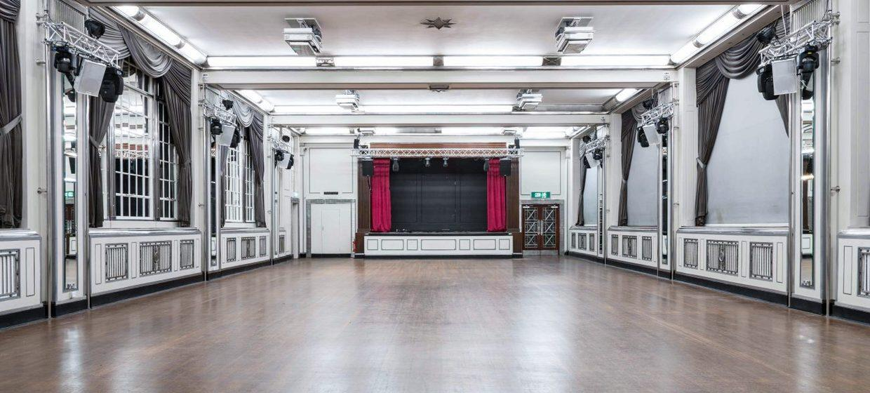 London's Opulent Art Deco Venue  22