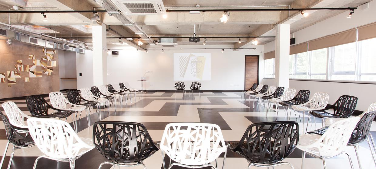 Innovative Meetings Rooms and Spaces  3