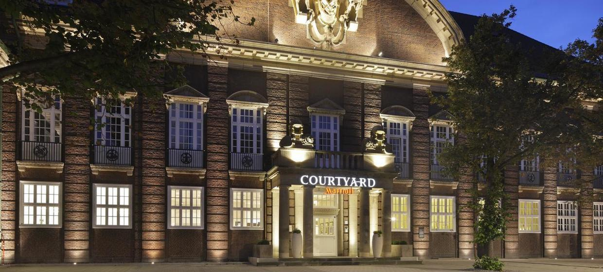 Courtyard by Marriott Bremen 12