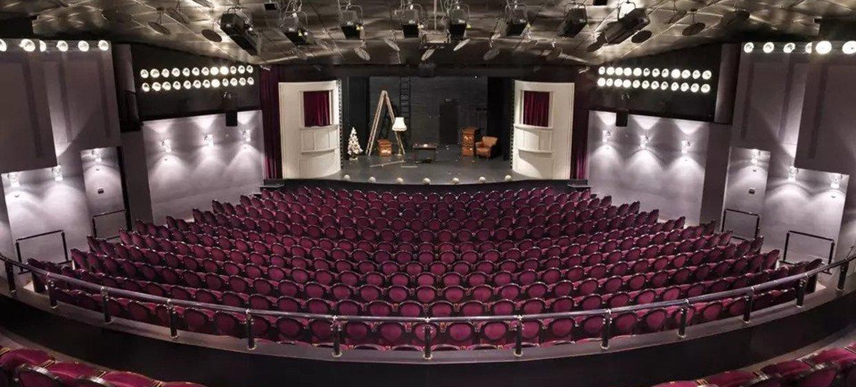 Gemütlicher Firmenabend mit Theatervorführung 3