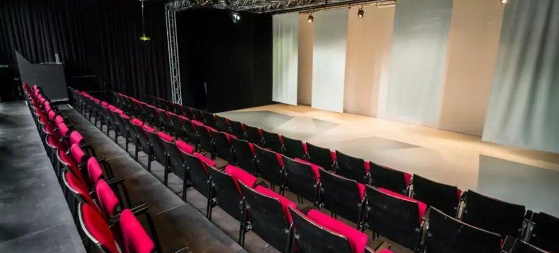 Gemütlicher Firmenabend mit Theatervorführung 1