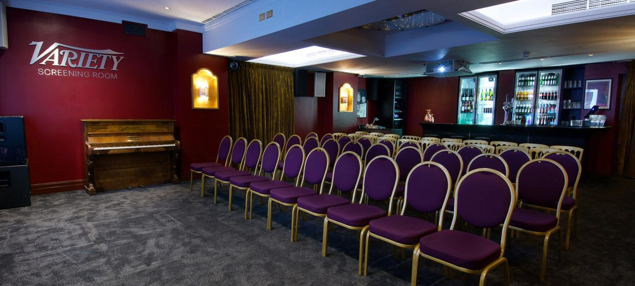 Hotel with Stylish Event Spaces  8