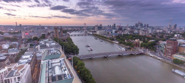 Contemporary venue with 360 degree skyline views 4