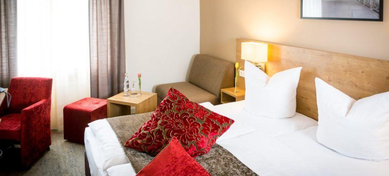 Hotel Maingau 13