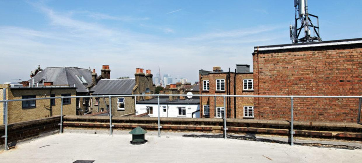 Characterful warehouse with roof deck 3