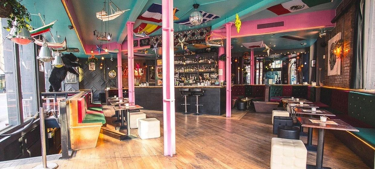 A light, bright and colourful venue 2