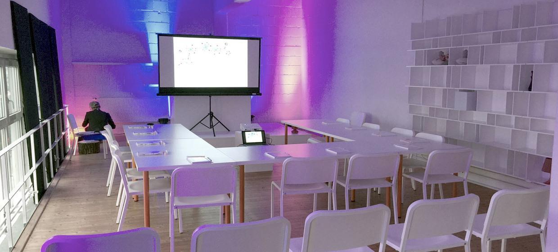 Seminar im Industrieloft mit Panorama Blick 1