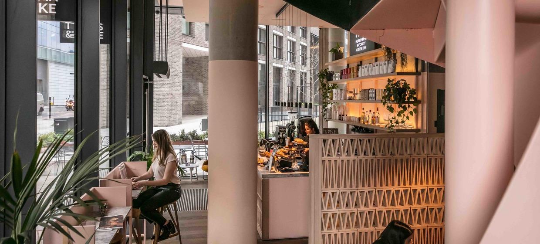 Seasonally Lead Restaurant with a Terrace 1