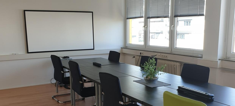 Großzügiger Seminarraum mit professioneller Ausstattung 3