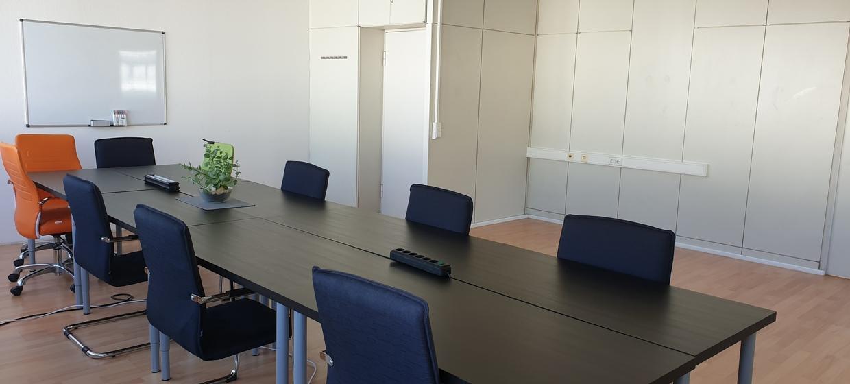Großzügiger Seminarraum mit professioneller Ausstattung 2