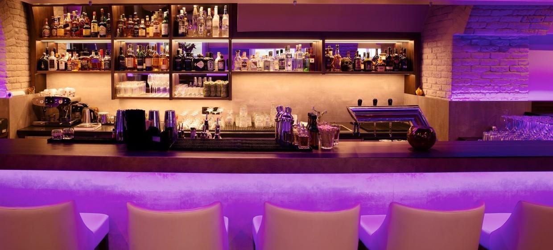 Meinz Bar 7