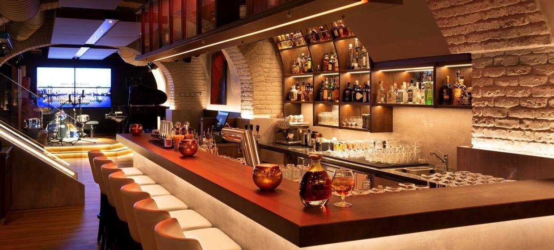 Meinz Bar 4