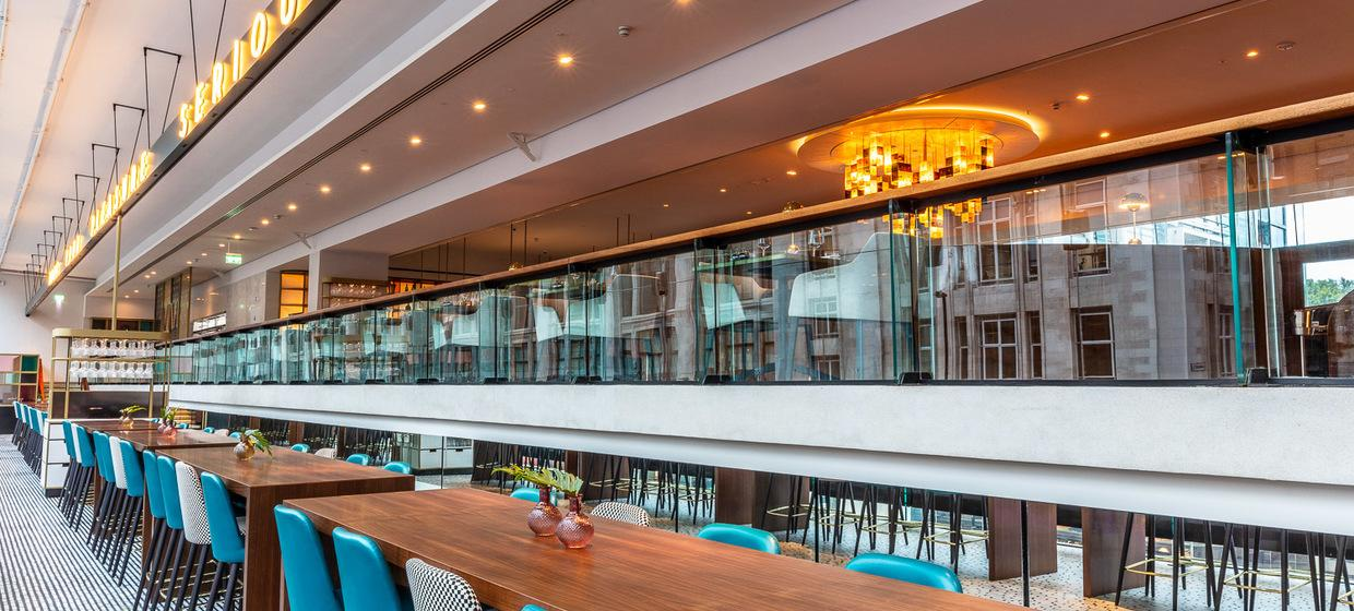 Beautiful Restaurant in Central London  4