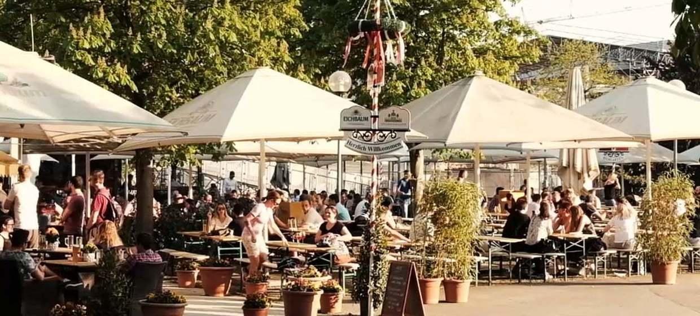 Biergarten im Stuttgarter Schlossgarten 1