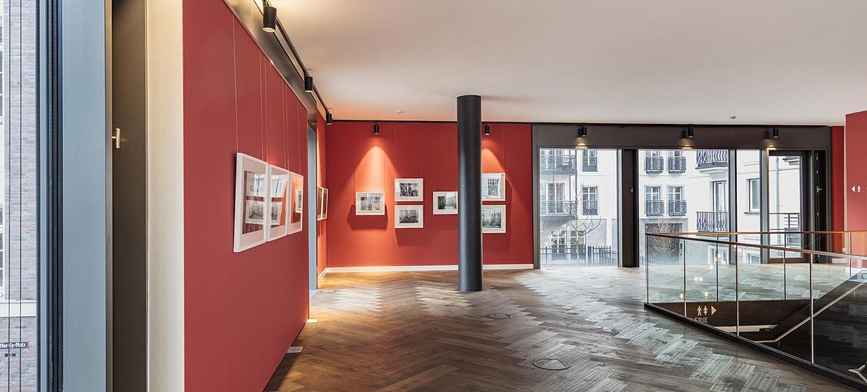 AQ - Mutter Ey Café & Galerie 3