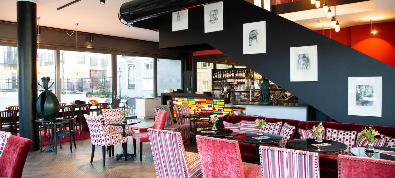 AQ - Mutter Ey Café & Galerie 10