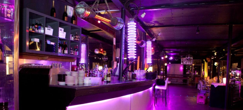 Café Barge 8