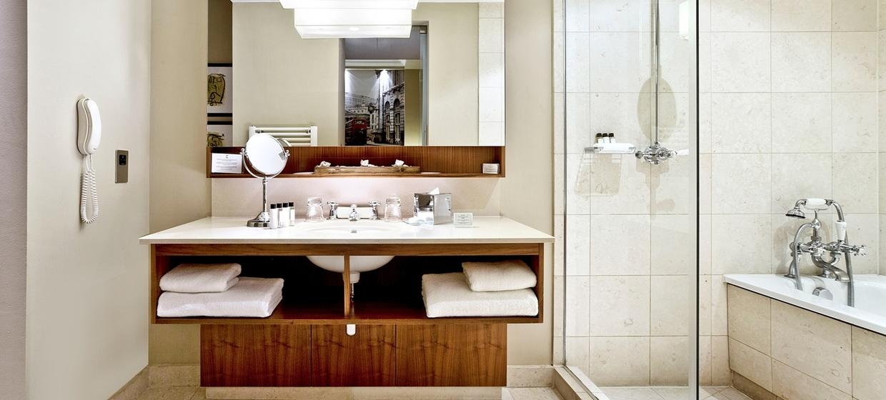 Elegant Hotel with Flexible and Stylish Event Spaces 10