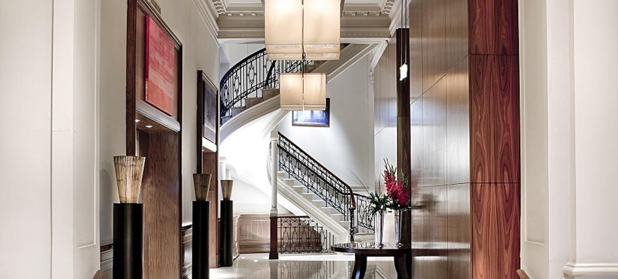 Elegant Hotel with Flexible and Stylish Event Spaces 4