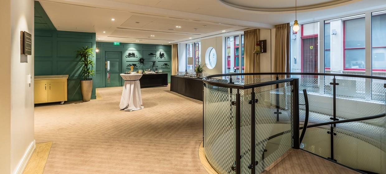 Elegant Hotel with Flexible and Stylish Event Spaces 8