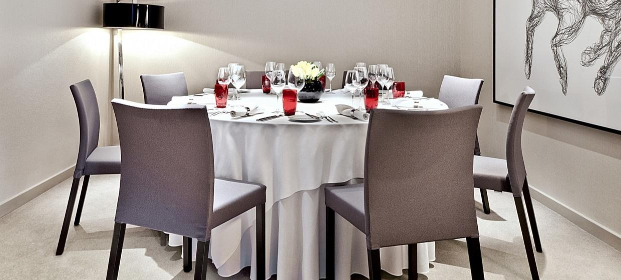 Elegant Hotel with Flexible and Stylish Event Spaces 7