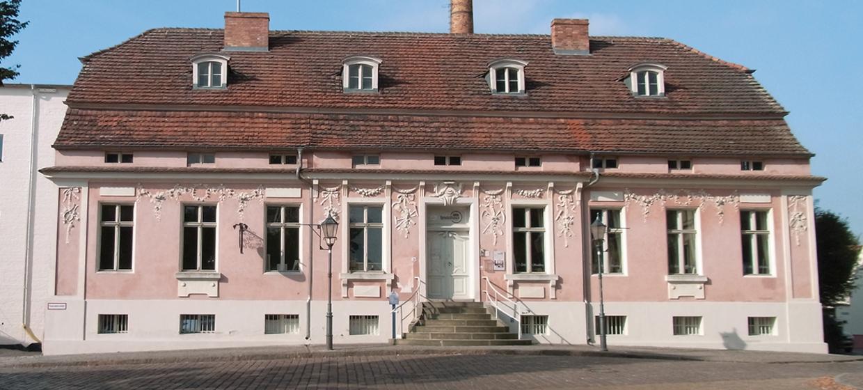 Lendelhaus & Historische Saftfabrik 15
