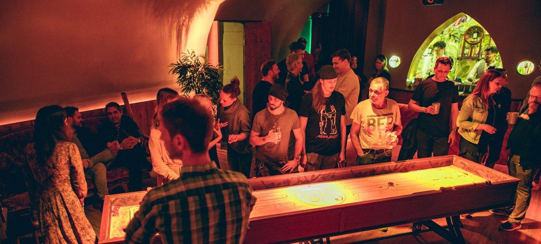 Partyspaß mit Shuffleboard 5