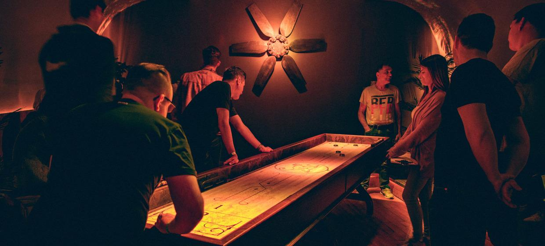 Partyspaß mit Shuffleboard 6