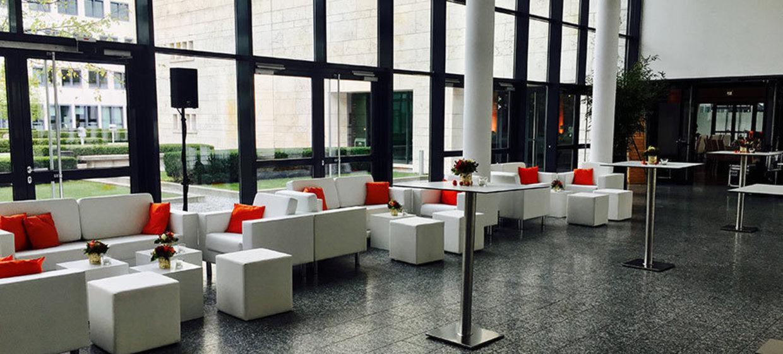 Alter Flughafen München - Wappenhalle 27