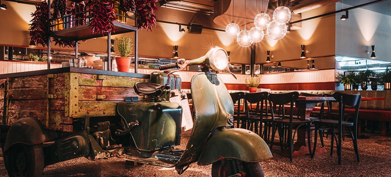 L'Osteria am Mercedes Platz 8