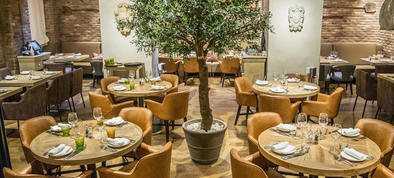 Luxurious Italian Restaurant in Mayfair 6