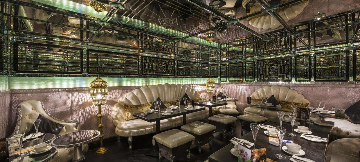 Decadent Hotel and Event Spaces nearby to London 3