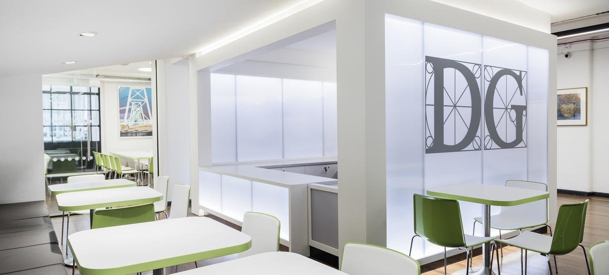 A Contemporary and Versatile Meeting Space  5
