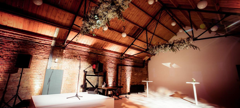 A Light and Spacious Boutique Studio Complex  2