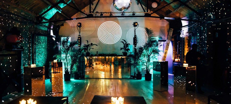 A Light and Spacious Boutique Studio Complex  3