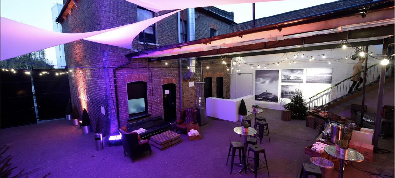 A Light and Spacious Boutique Studio Complex  15