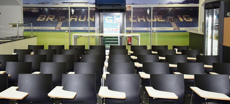 Eintracht-Stadion 3