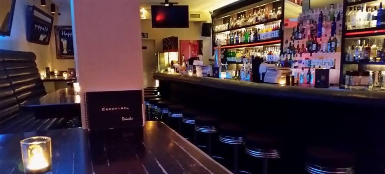Cocktrail Bar  2