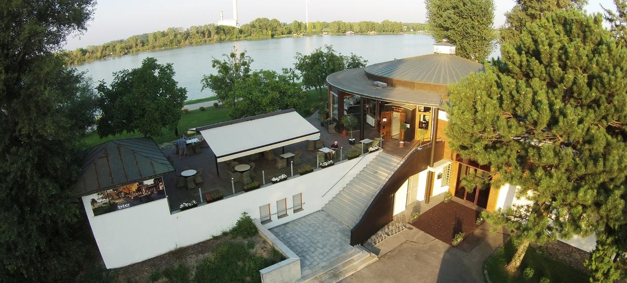 River Lodge Ister 26