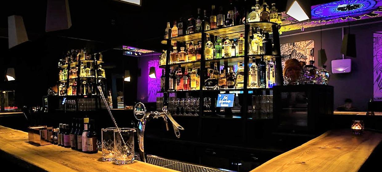 Emi Wynehouse Pop-Up Bar 1