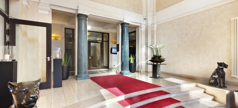 Steigenberger Hotel Metropolitan 5
