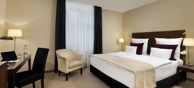 Steigenberger Hotel Metropolitan 8