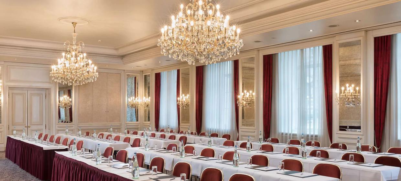 Radisson Blu Badischer Hof Hotel 1