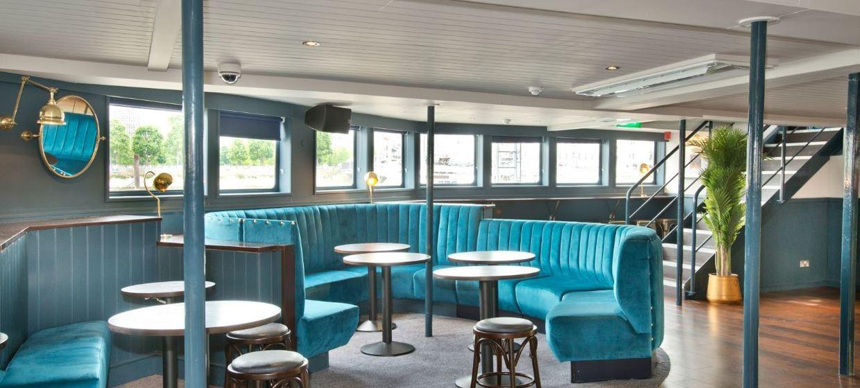Charming Pub on a Boat in an Iconic Location  4
