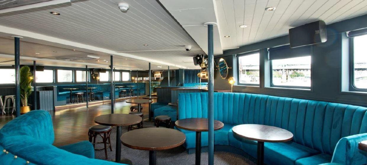 Charming Pub on a Boat in an Iconic Location  9