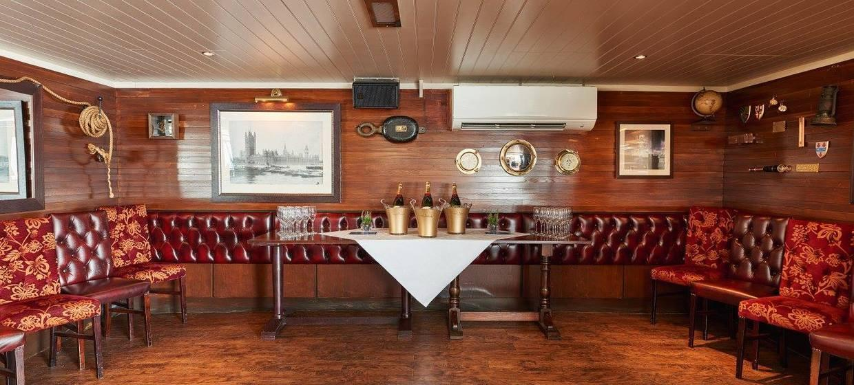 Charming Pub on a Boat in an Iconic Location  3