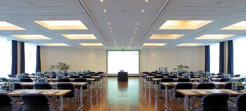 Radisson Blu Park Hotel und Conference Centre 2