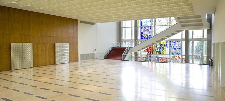 Schlossplatz 1 - Campus der ESMT Berlin  17