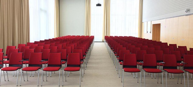 Schlossplatz 1 - Campus der ESMT Berlin  21